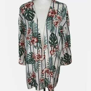 Guess brand floral kimono size M/L. Only worn once
